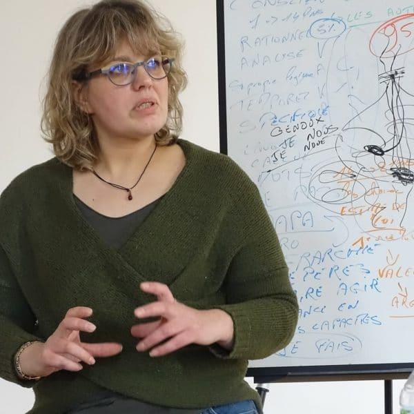 Karine Legagneur Trouvez VOTRE SOURCE - Thérapeute spécialisée en Détachement de Traumatismes, Hypnose, PNL, Coaching, Formation
